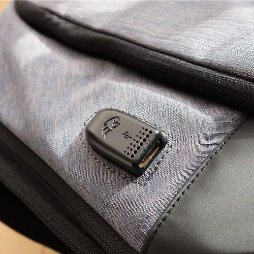 ここ、USBの差し込み口。