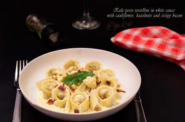 Paste proaspete umplute cu pesto de kale in sos alb cu conopida, alune de padure si bacon crocant (16)