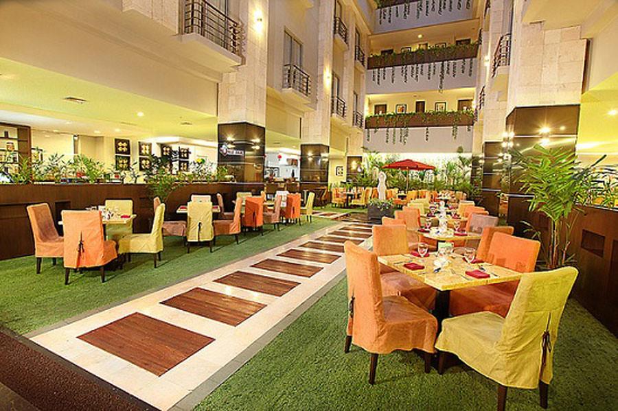 Lotus-Restaurant-rajakamar