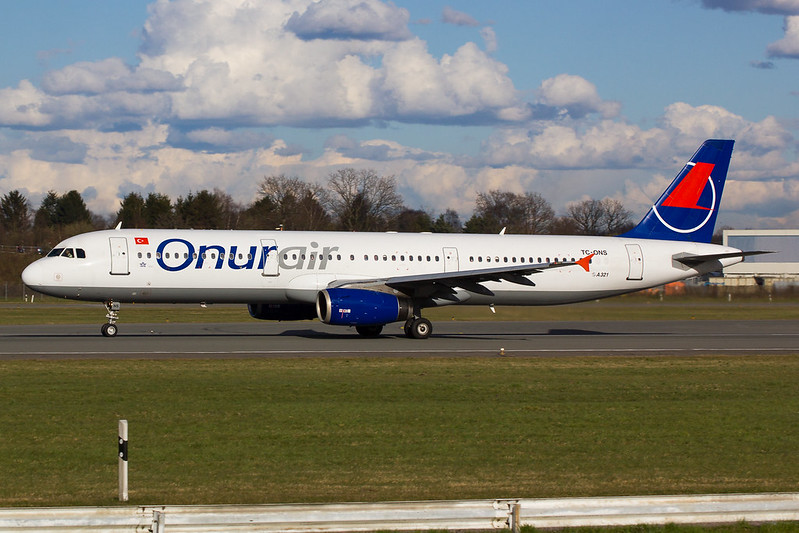 Onur Air - A321 - TC-ONS (2)