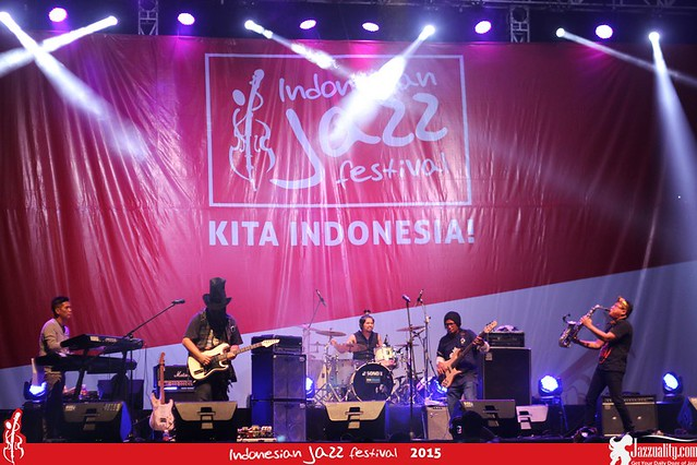 Indonesian Jazz Festival 2015 - Sonic & Drive feat. Baron (1)