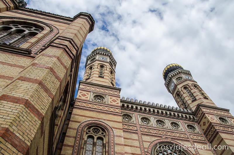 calles de Budapest gran sinagoga