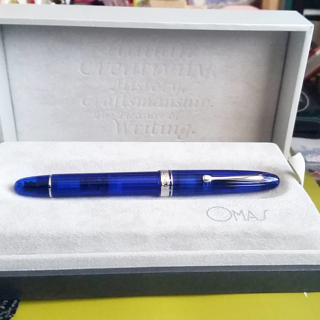 Blue seduction in a pretty box #omas #ogivacocktail #blueangel #Fpgeeks #fountainpen #funtainpen