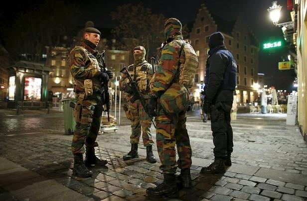"""EU lanza alerta global de viaje por """"amenazas terroristas"""""""