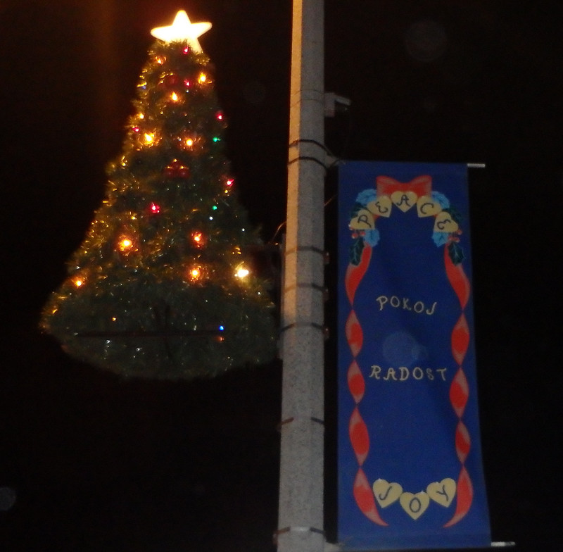 tree decoration with a banner that says Pokoj Radost