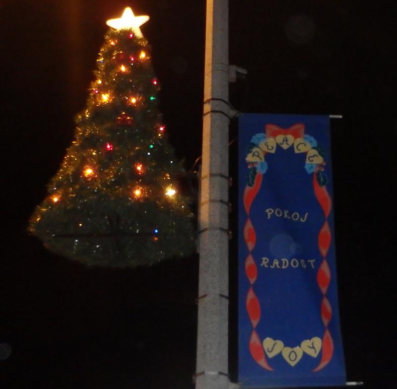 tree decoration with a banner that says Pokoj Radost