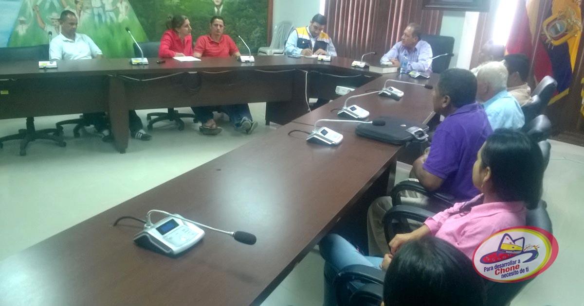 Alcalde se reúne con dirigentes de las asociaciones agroproductivas