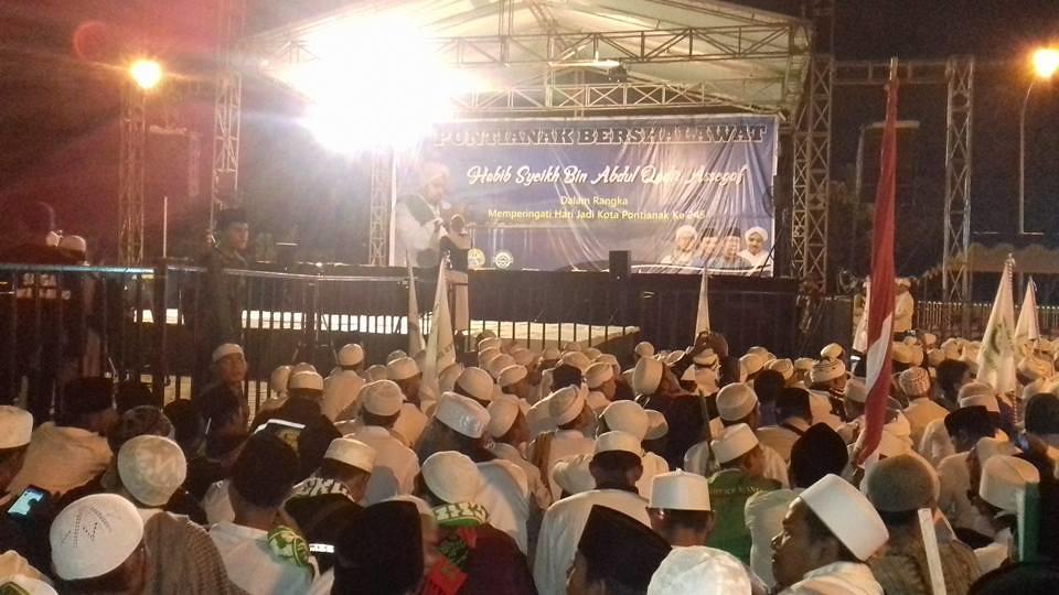 Pontianak Bershalawat Bersama Habib Syech -