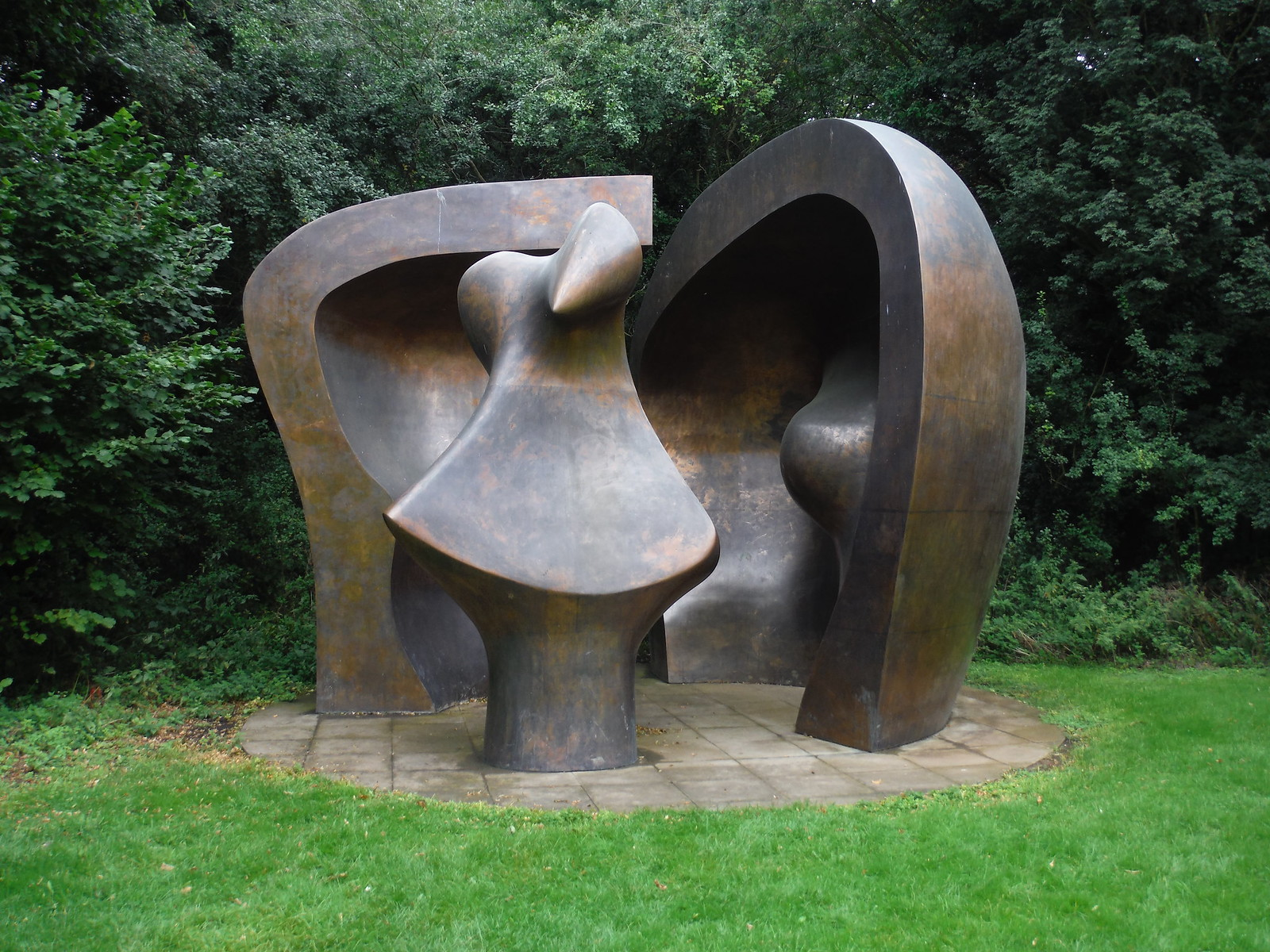 Large Figure in a Shelter (1985-86) SWC Walk 164 Roydon to Sawbridgeworth via Henry Moore Foundation