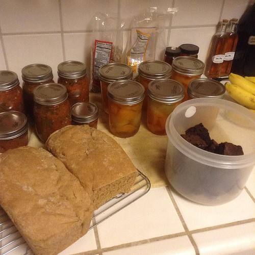 After a morning of knitting, I went for groceries, then started cooking at 4 PM! Results: brownies, bread, 6 pints salsa canned, and 6 pints of pickled melons canned, plus kale salad. Feeling better now😊