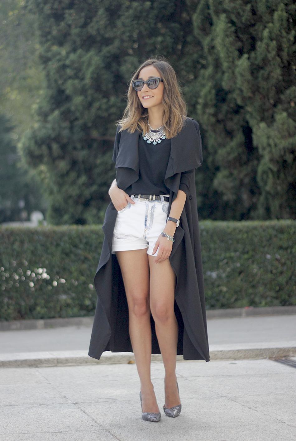 Black Vest Sheinside Shorts Outfit16