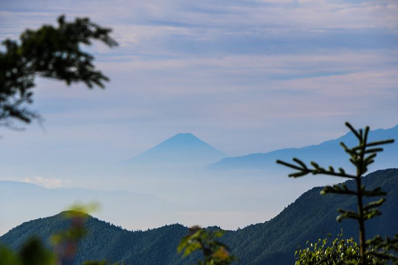 燕岳から富士山