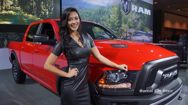 Ladies of the LA Auto Show 2015