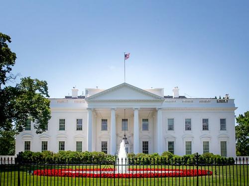 ІД на новому відео погрожує підірвати Білий дім