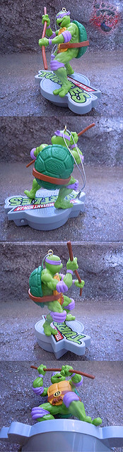 "AMERICAN GREETINGS, Heirloom Ornament Collection :: TEENAGE MUTANT NINJA TURTLES - ""DONATELLO"" MUSICAL Ornament v (( 2015 ))"