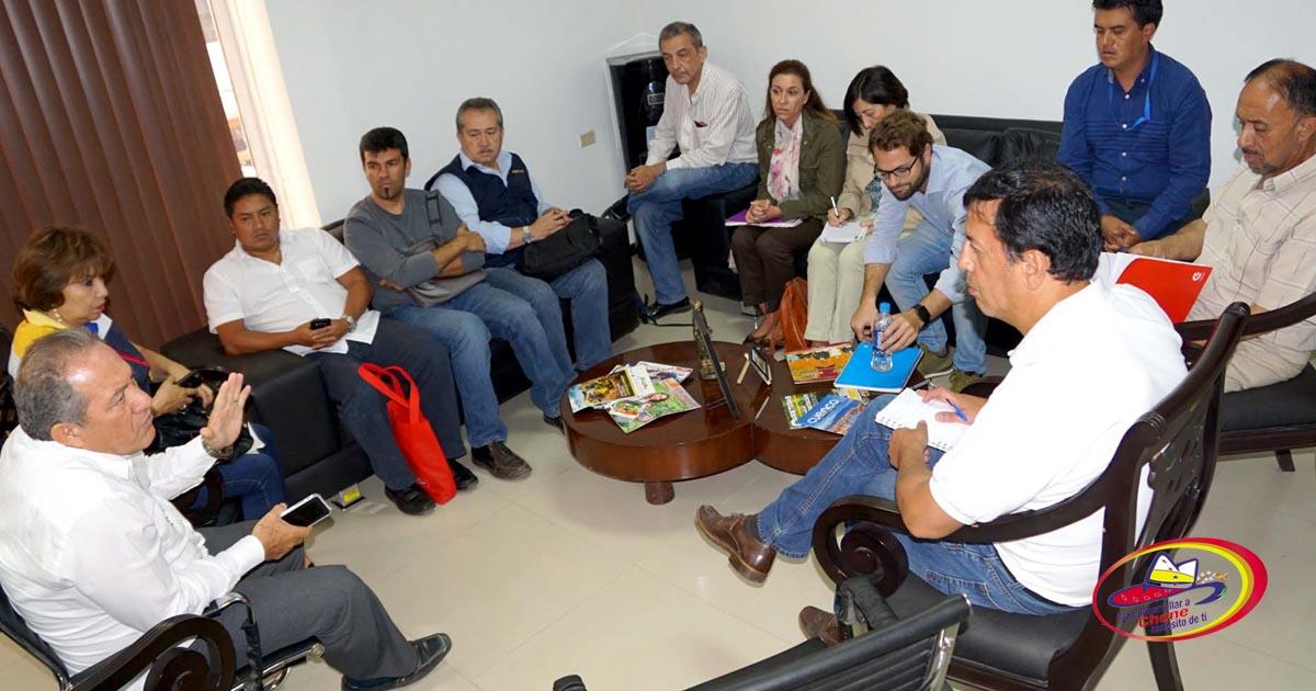 Delegación de cooperación española y ecuatorianos realizan asistencia técnica al GADM Chone