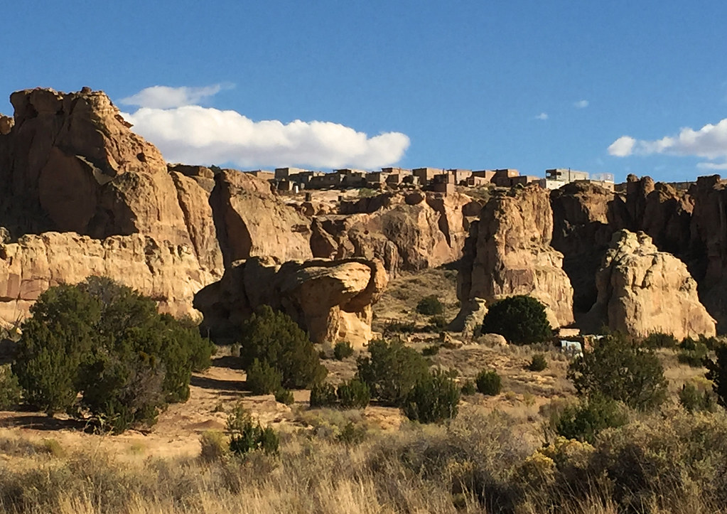 pueblo of acoma middle eastern singles Pueblo indians:groups who speak tanoan and keresan languages tanoan languages such as tewa are distantly related to uto-aztecan, but keresan has no known affinities the western pueblo villages include the hopi villages of northern arizona and the zuni, acoma, and laguna villages, all in western new mexico.