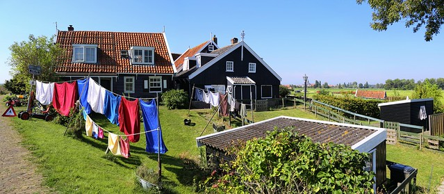 A beautiful day for drying laundry at the Rozewerf
