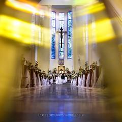 """Sunday Church"" #jurnalwedding we are #jurnalphoto Personal Wedding Photographer, We combain design thinking and technical craf. follow us! @jurnalphoto @jurnalphoto @jurnalphoto photo by @victorleonarto --------------------------------------- @thebridest"