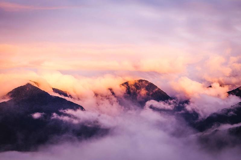 Climbing Cloud