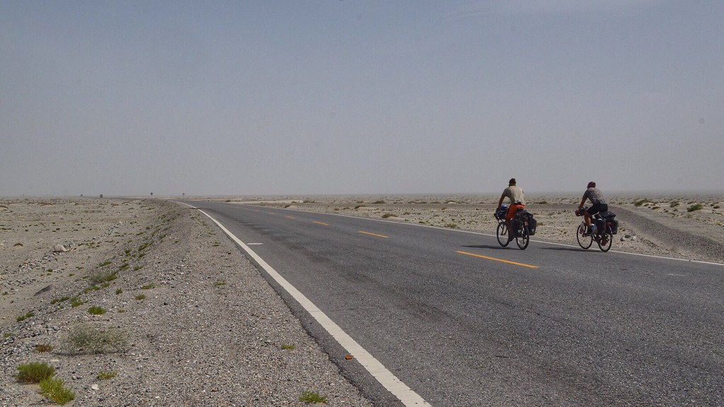 Cycling the Taklamakan desert in China
