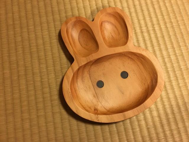餐盤正面@PETITS ET MAMAN KIDS PLATE RABBIT 兔子造型餐盤
