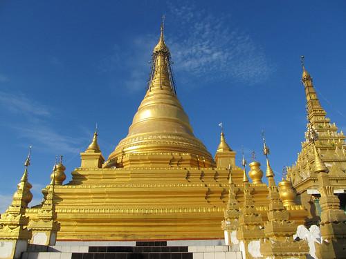 Mandalay: la pagode Sandamuni