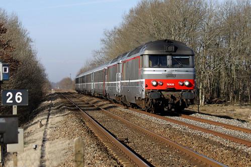 28 fevrier 2009 BB 67435 Train 4492 Bordeaux -> Clermont-Ferrand Saint-Martial-d'Artenset (24)