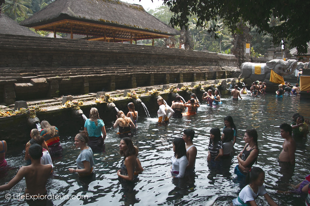 Spring-water-temple-Bali