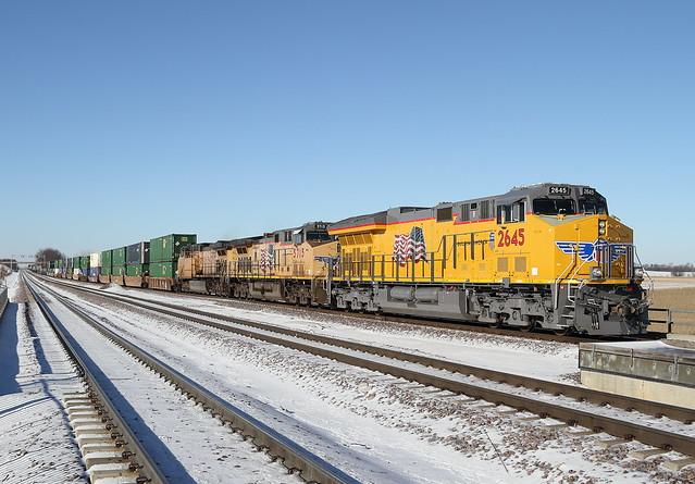 UP 2645 East in La Fox, Illinois on January 2, 2016.