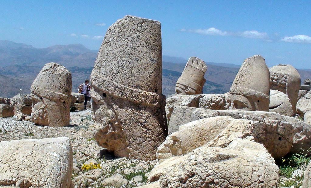 Estatuas decapitadas