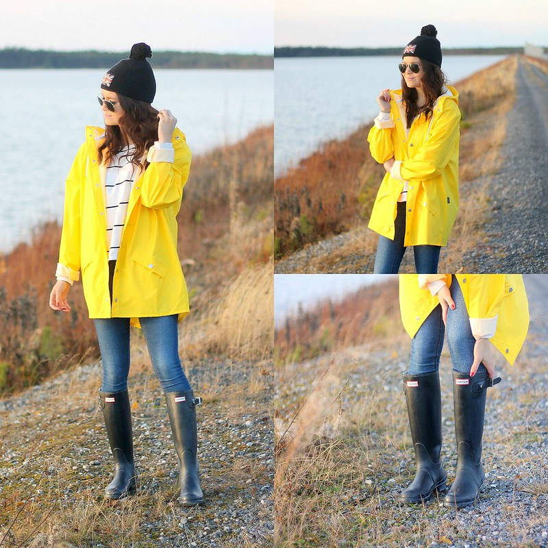 yellow raincoat outfits