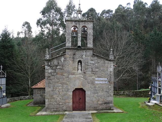 Iglesia de Santiago de Ois en Coirós