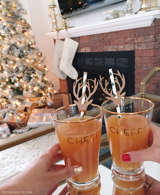 modcloth cheers holiday glasses