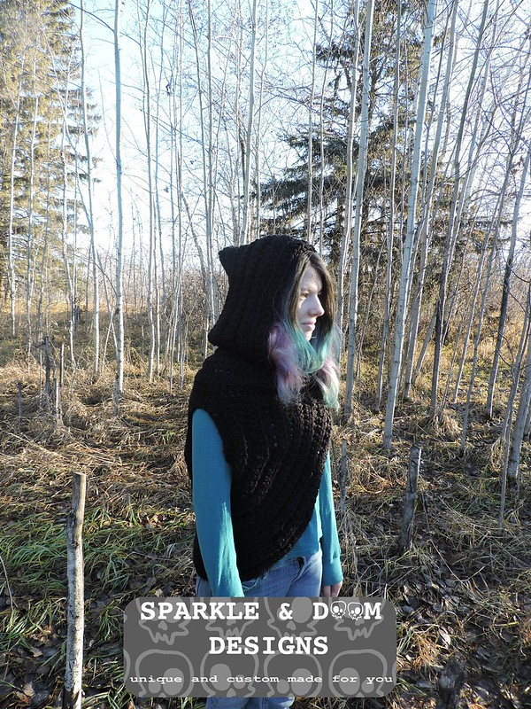 Huntress Hooded Cowl 03e