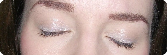 Makeup Revolution Awesome Metals Eye Foils Pure Platinum EOTD Swatch