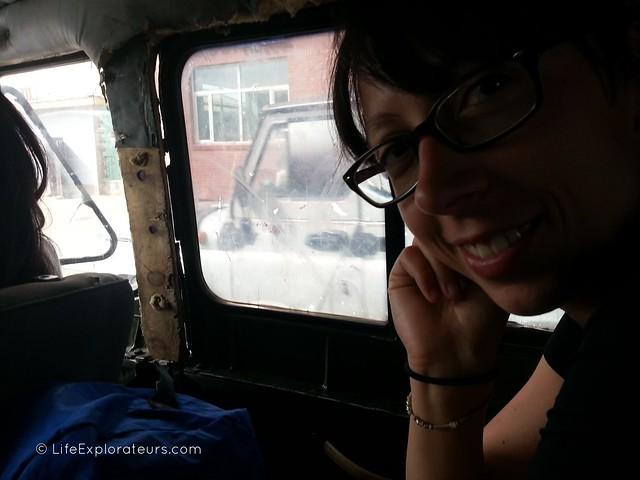 Taxi_crossing_border_Mongolia_China_2