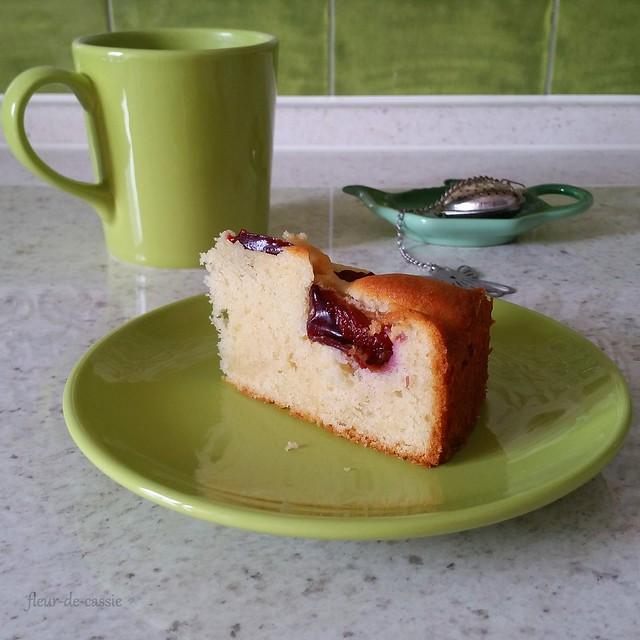 пирог с утопленными сливами 3