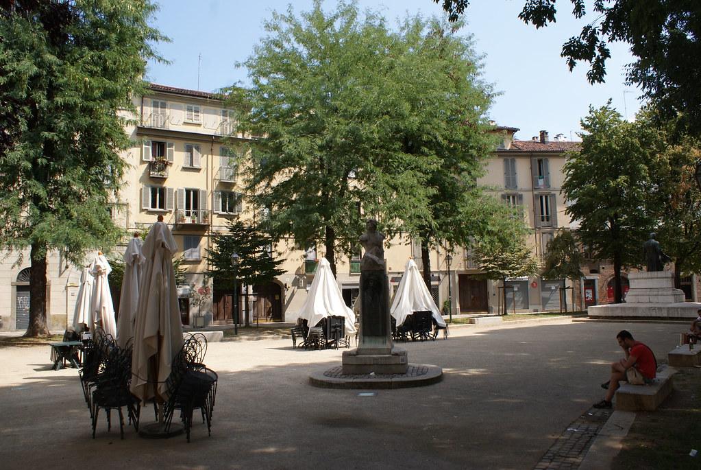 Piazza Emanuele Filiberto dans le centre historique de Turin.