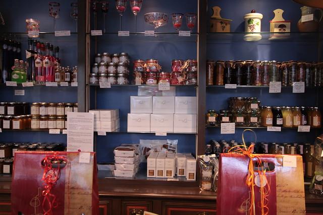 Boutique Bernard Loiseau, Saulieu. Bourgogne...