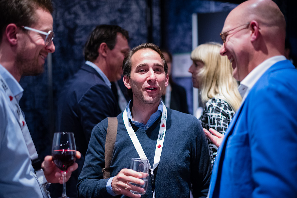 Bart van den Boogaard, Richard Faas en tafelgast drs. Erich Taubert in gesprek