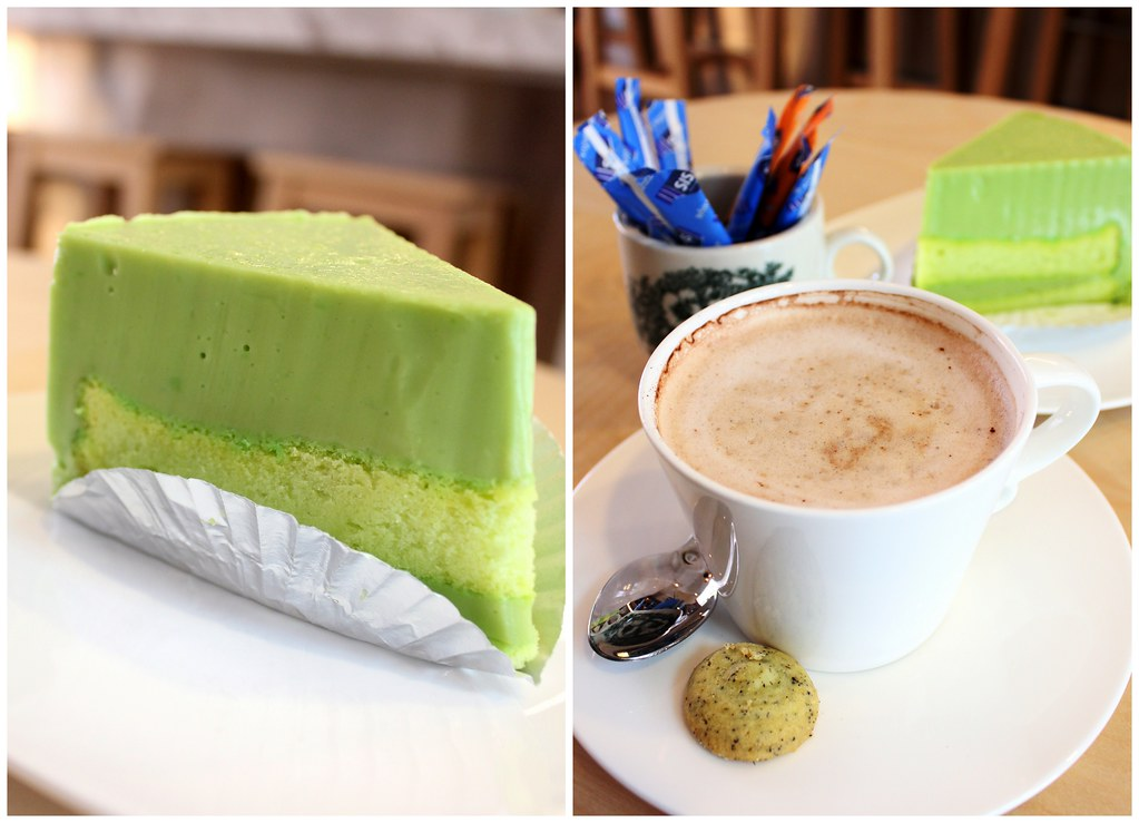 Ultimate Upper Thomson Food Guide: Sparks Cafe cake mocha