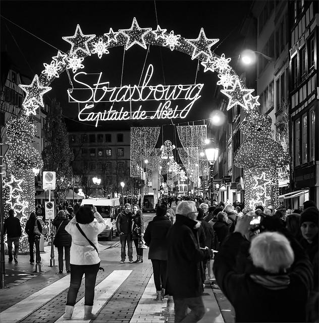 Dans les rues de Strasbourg 23723361635_466b60aa3d_z