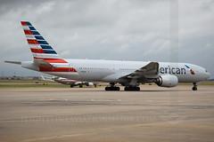 American Airlines Boeing 777-223/ER N755AN