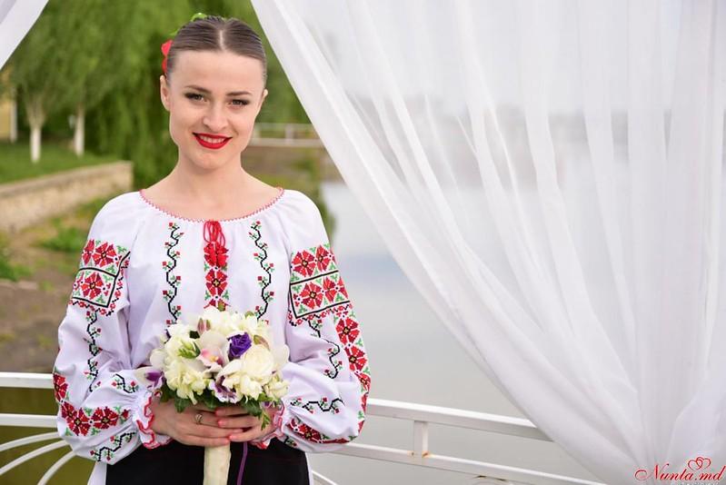 """Танцоры на свадьбу ансамбль""""Tinereţe"""" > Акция! До 01.03.2017, скидка 20%"""