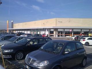Nuovo edificio commerciale a Sant'Ilario d'Enza (RE)