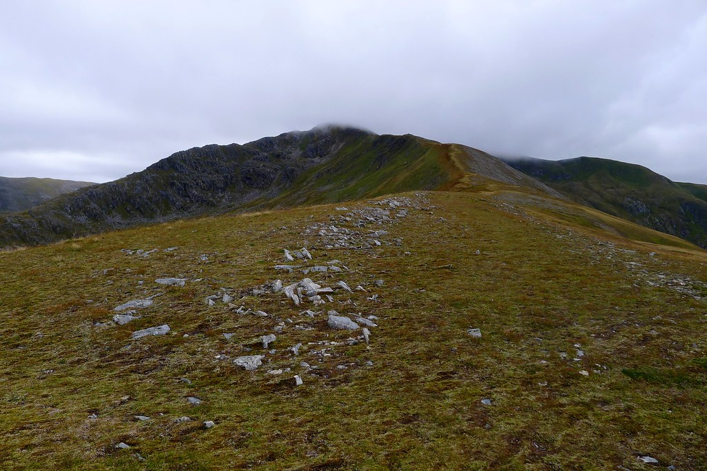 The northeast ridge of Mullach Fraoch-choire