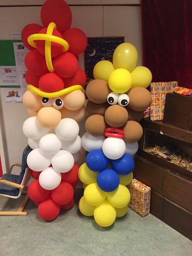 Ballonpilaar Sinterklaas en Zwarte Piet CBS De Bron Spijkenisse