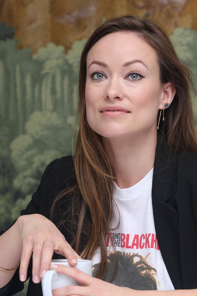 Оливия Уайлд — Пресс-конференция «Винил» 2015 – 17