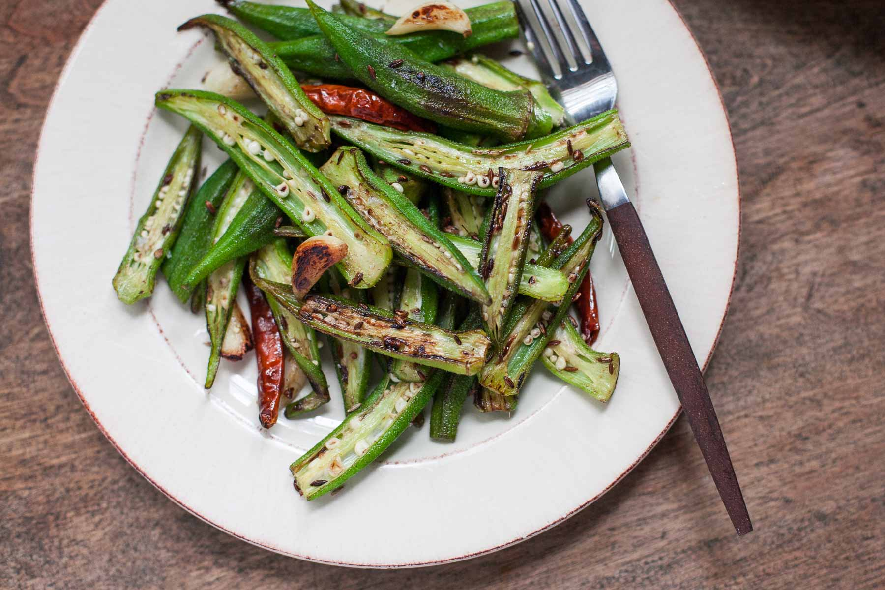 Blistered Okra with Garlic and Cumin #30MinuteMondays   acalculatedwhisk.com